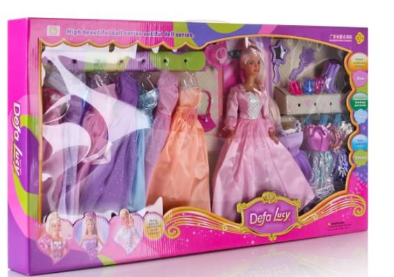 Кукла-модель с платьями и аксессуарами