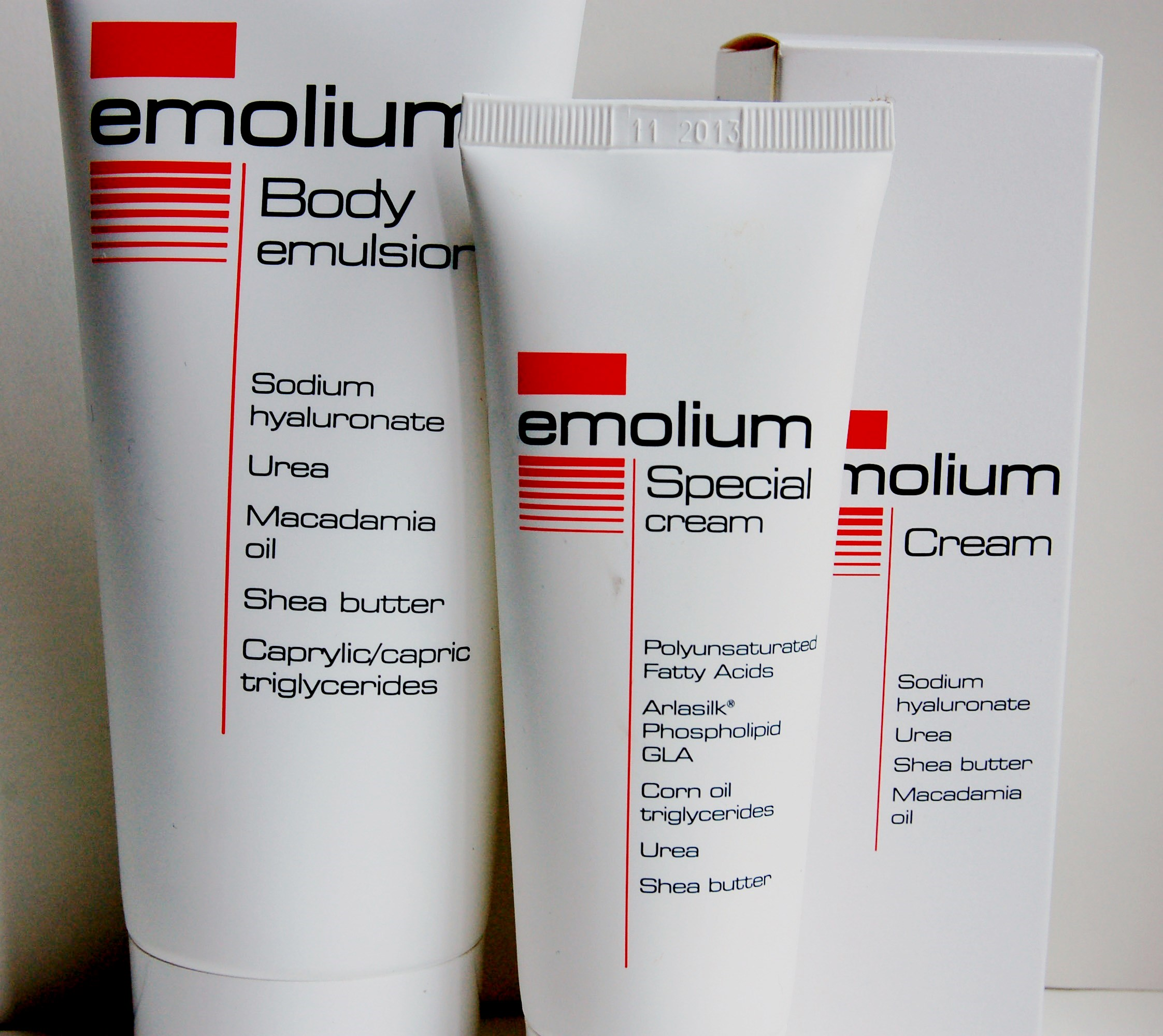 Эмолиум (лечебный препарат от сухости кожи)
